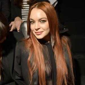 Lindsay Lohan Stages Acting Comeback With Netflix Christmas Movie