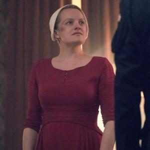 "Elisabeth Moss Teases The Handmaid's Tale's ""Promises"" Are Finally Fulfilled in ""Huge"" Season 4"