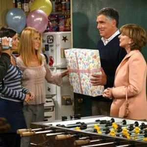 Your Favorite Friends Parents Share Memories Working With Jennifer Aniston and Brad Pitt