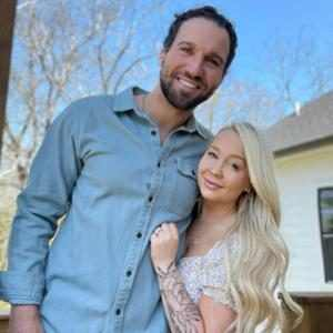 The Voice's RaeLynn Is Pregnant, Expecting Baby Girl With Josh Davis