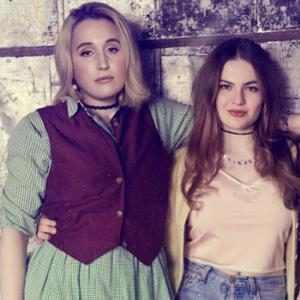 New Cruel Summer Sneak Peek Teases the Beginning of Jeanette and Mallory's Rift