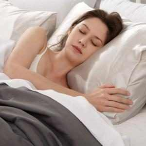 E-Comm: Top-Rated Silk Pillowcases on Amazon