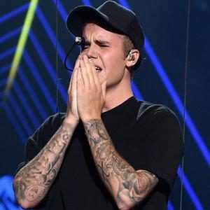 Justin Bieber, Crying, VMA's