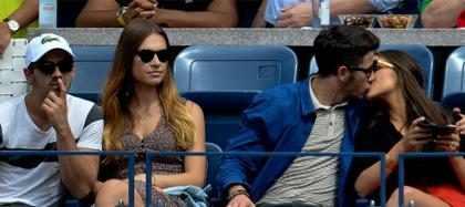 (+ Fotos) ¡Nick Jonas y Olivia Culpo demuestran su amor en público!