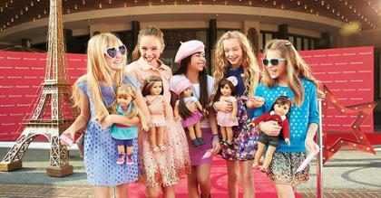 Tradicional marca de bonecas lança Logan, seu primeiro boneco