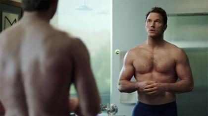 Chris Pratt y sus músculos protagonizan un comiquísimo comercial del Super Bowl 2018 ¡Míralo!