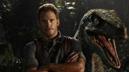 ¡Mira a Chris Pratt corriendo por su vida en un adelanto de la nueva entrega de Jurassic Park!
