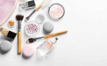 Expertos te dicen cuáles son los productos más inútiles de maquillaje