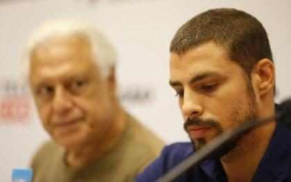 Cauã diz que não está saindo com Isís Valverde