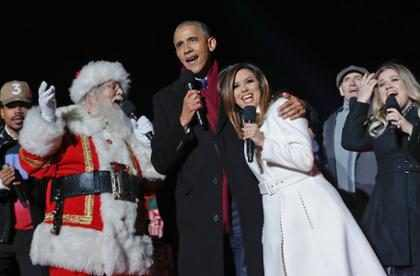 Barack Obama, Marc Anthony y Eva Longoria se unieron para cantar Jingle Bells (+ Videos)