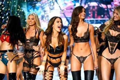 Los 10 mejores y más fabulosos momentos del Victoria's Secret Fashion Show 2016 (Fotos + Video)