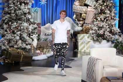 Justin Bieber diz que está solteiro e não procura ninguém no momento