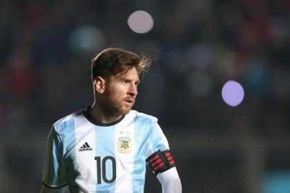 Homem iraniano faz sucesso na web por ser parecido com Lionel Messi
