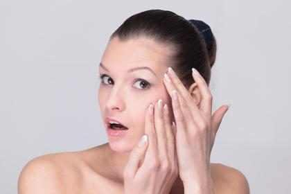 7 cosas que te causan arrugas y seguramente no sabías