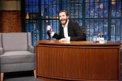 Jake Gyllenhaal hace hasta lo imposible por demostrar que es el verdadero BFF de Ryan Reynolds (+ Video)