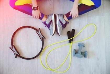 Estas son los equipos de ejercicio que SÍ deberías comprar para tu casa