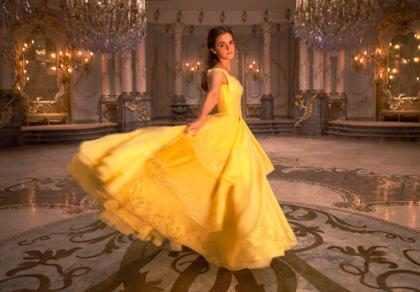 OMG! No creerás cuánto tardaron en hacer el famoso vestido amarillo de Emma Watson para La Bella y la Bestia