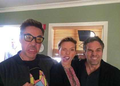 Robert Downey Jr. posta fotos da divulgação de Os Vingadores