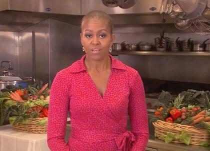 Michelle Obama usa penteado diferente e parece estar careca em programa de TV