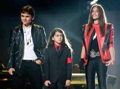 Los hijos de Michael Jackson recibirán 8 millones de dólares al año