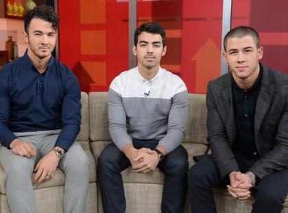 OMG! Los Jonas Brothers tienen el regalo perfecto para sus fanáticas