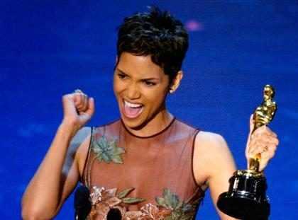 Halle Berry diz que sua vitória no Oscar 2002 não significou nada para diversidade