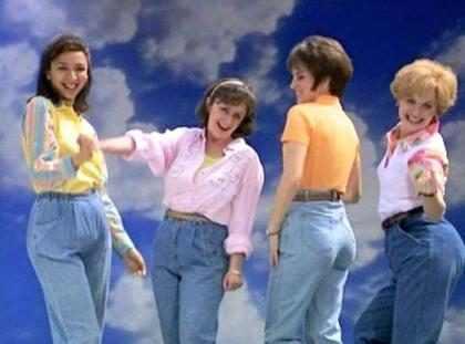 5 formas de hacer que los jeans de mamá sean lo más cool