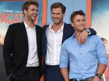 Aquí un amistoso recordatorio de algunas estrellas con hermanos muy hot (+ Fotos)