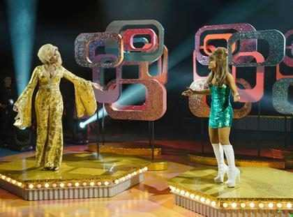 Ariana Grande e Jennifer Hudson arrasam em dueto no musical Hairspray Live!