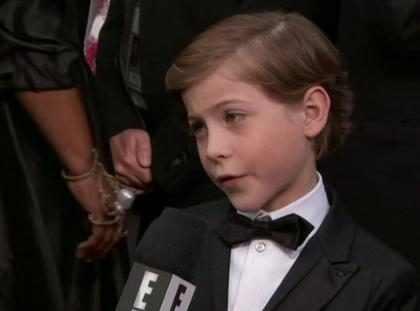Jacob Tremblay, de O Quarto de Jack, rouba a cena no tapete vermelho do Oscar 2016