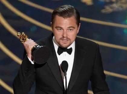 Leonardo DiCaprio finalmente ganó su primer Oscar y todos morimos de la emoción… ¿Pueden creerlo?