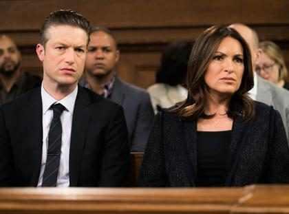 OMG! No podrás creer quién estará invitado en La Ley y El Orden UVE (+ Foto)