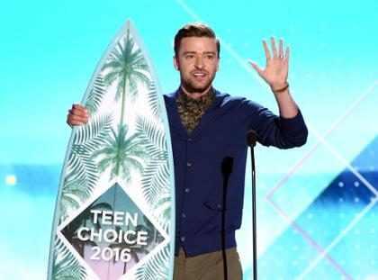 Justin Timberlake dio un inspirador discurso en los <em>Teen Choice Awards</em> que pasar&aacute; a la historia