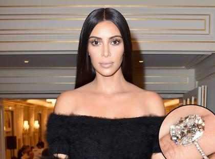 Kim Kardashian é fotografada sem anel de noivado dado por Kanye West