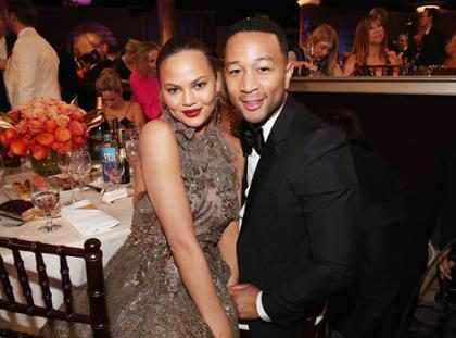 John Legend sofre ataque racista de paparazzo
