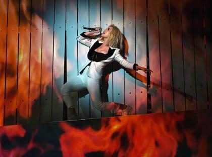 Katy Perry apresenta Chained To The Rhythm pela primeira vez no Grammy Awards 2017
