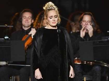 WTF! ¿Adele sabía que su tributo a George Michael sería un desastre?