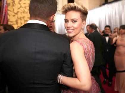 "Ooppss! Scarlett Johansson se negó a responderle una ""ridícula"" pregunta a Ryan Seacrest (+ Video)"