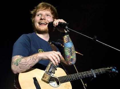Garotas fazem vídeo sapateando ao som de Ed Sheeran e bombam na web