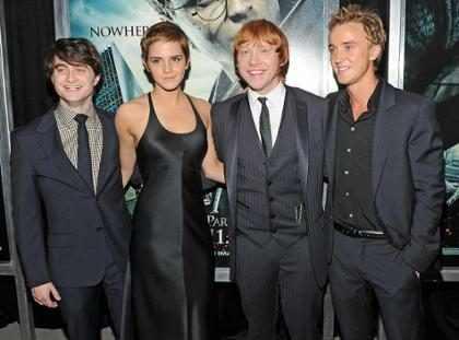 Él pasó de estrella de Harry Potter a músico callejero ¡Míralo!