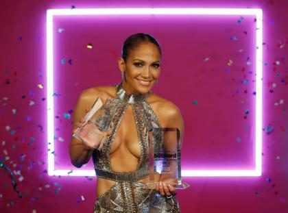 Los 7 escotes más insólitos de los Latin Billboards 2017 ¡Míralos!