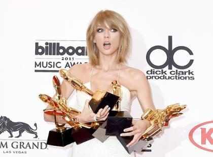 10 momentos históricos de los Billboard Music Awards que aún nos estremecen