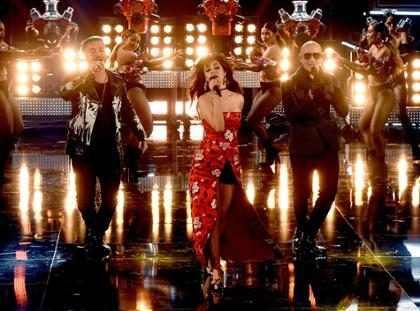 J Balvin, Camila Cabello y Pitbull calentaron el escenario de los MTV Movie &TV Awards ¡Míralos!