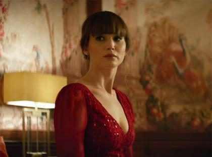 Jennifer Lawrence interpreta uma espiã sexy no trailer de Operação Red Sparrow