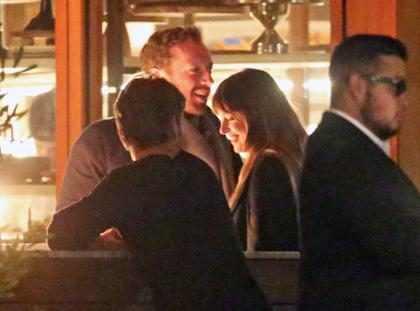 Estas imágenes confirmarían que Dakota Johnson y Chris Martin son pareja