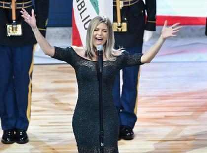 Fergie recibe una dura lluvia de críticas tras su última y extraña presentación ¡Mírala!