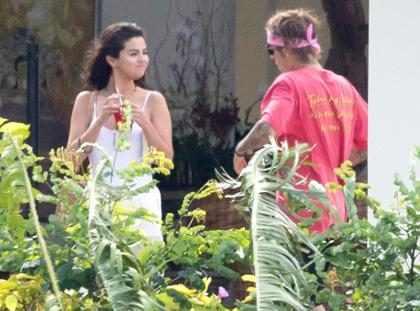 Selena Gomez y Justin Bieber no pueden quitarse las manos de encima en sus vacaciones jamaiquinas