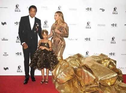 Beyoncé contrata stylist e personal shopper para filha Blue Ivy