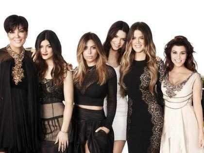 As plásticas que as Kardashians e Jenners são acusadas de ter feito