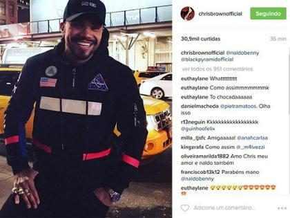 Chris Brown posta foto do funkeiro Naldo Benny no Instagram